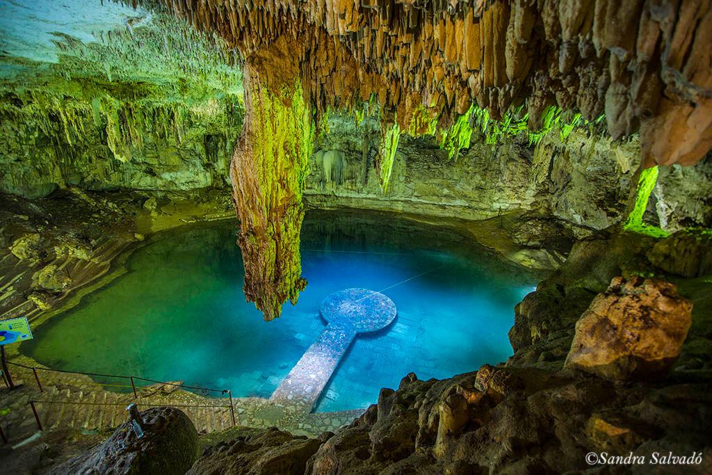 Cenote Suytun, cavidad de postal