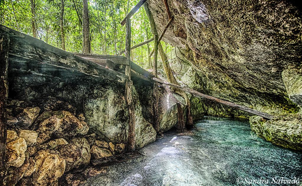 Cenote Jacuzzi Maya