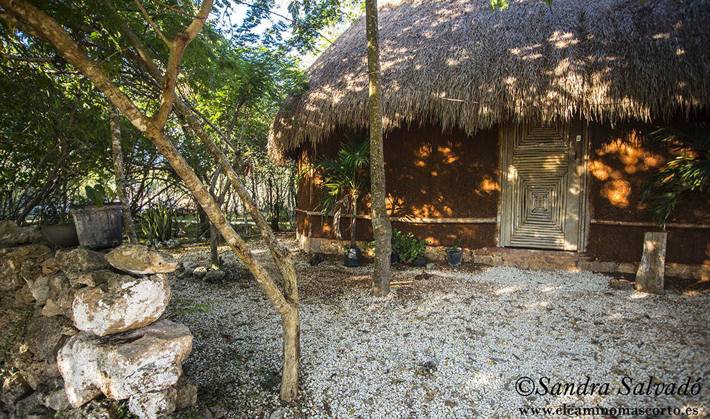 Cabaña tradicional maya del cenote Santa Rosa