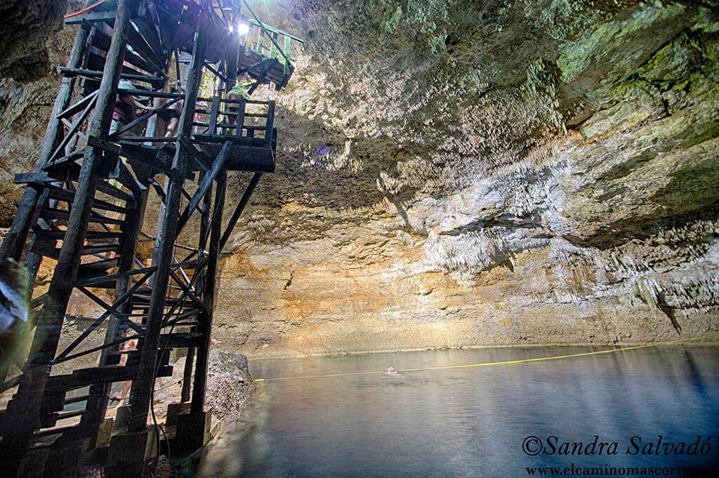 Cenote Tamcach-Ha, clavados en Cobá