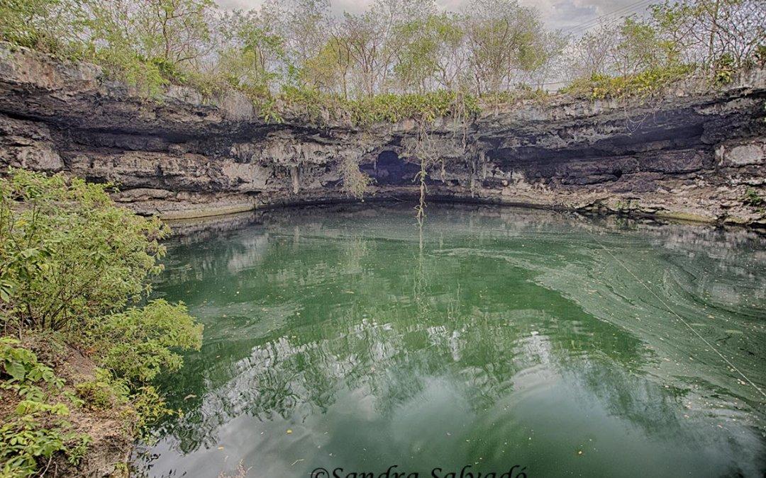 Cenote Kikil, camino a la Reserva Biosfera Ría Lagartos