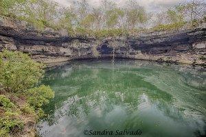 cenote Kikil, yucatan