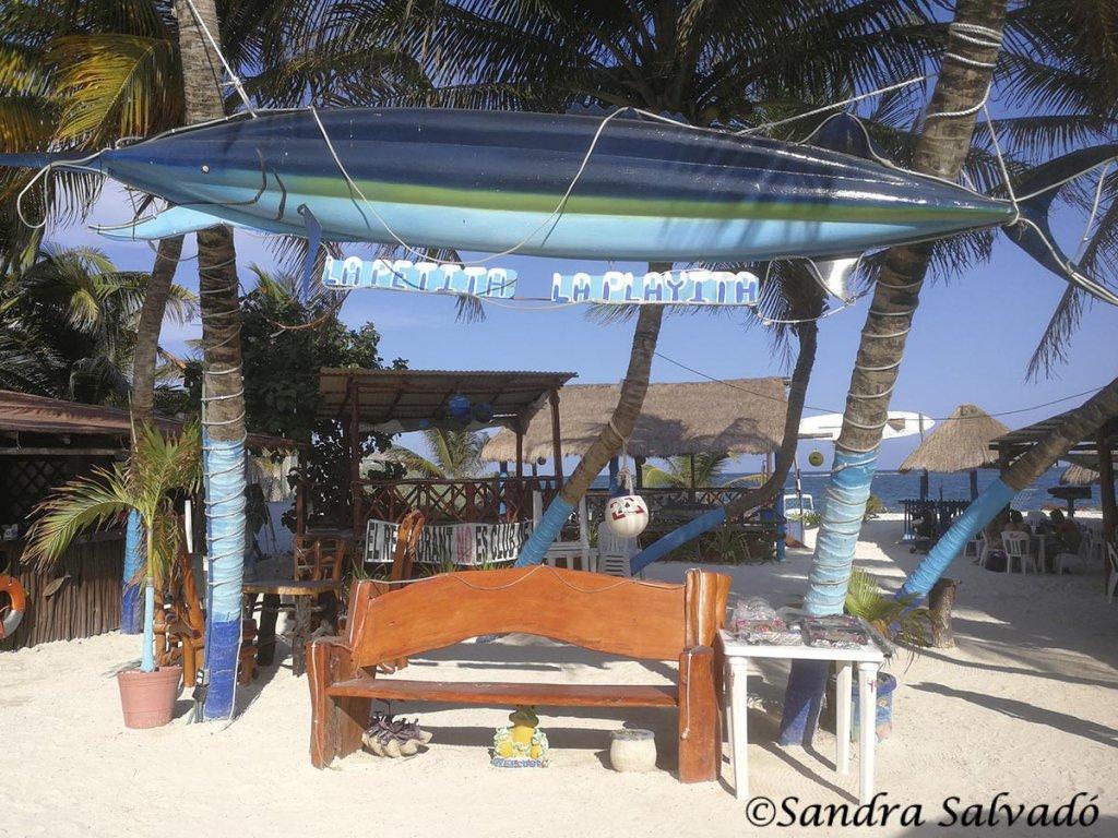 La petita en la Playa, Puerto Morelos, Quintana Roo