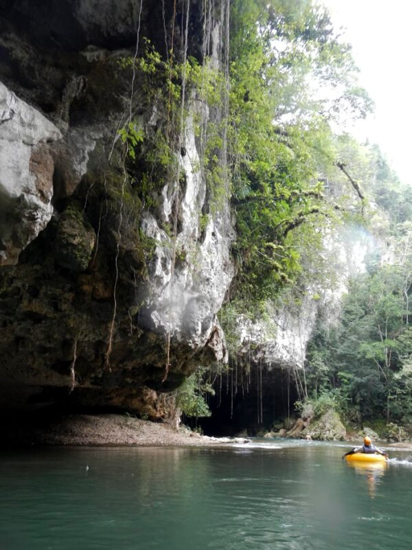 Nohoch Che'en National Park Branch caves tubing cave