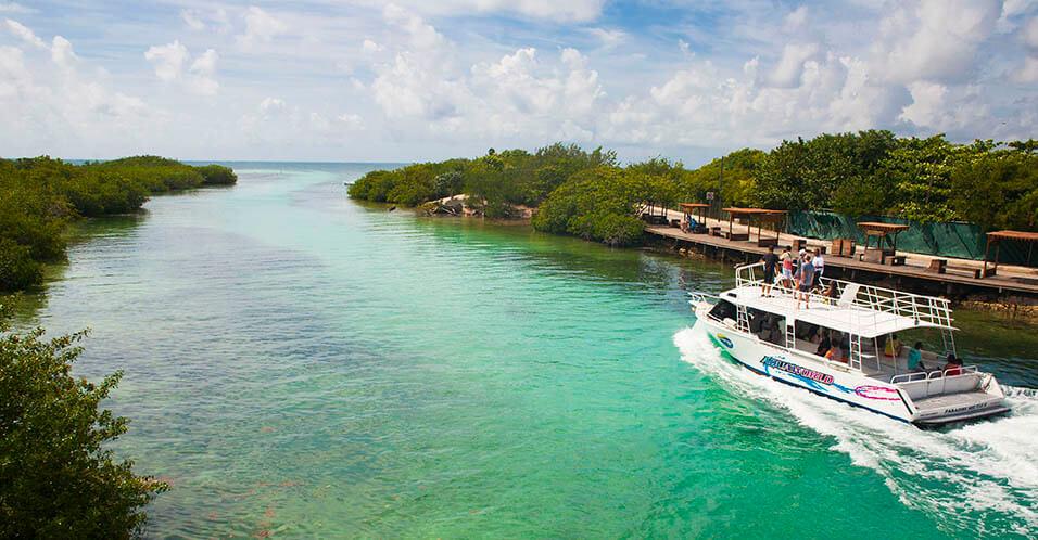 En Punta Nizuc encuentras restaurantes. A 3 kilómetros.