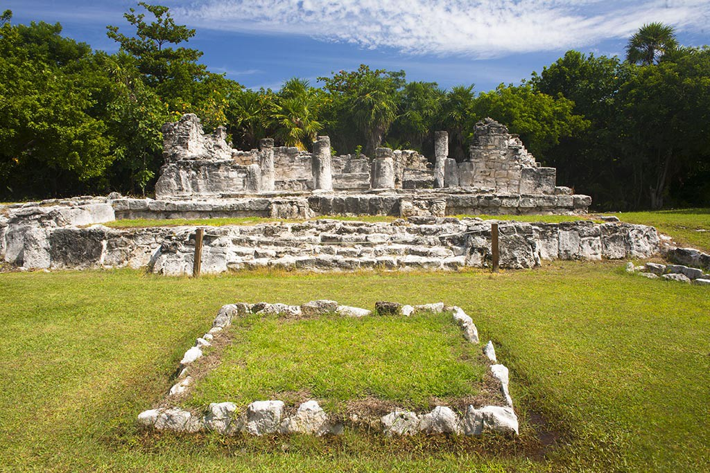 El Rey, Cancun, mayas