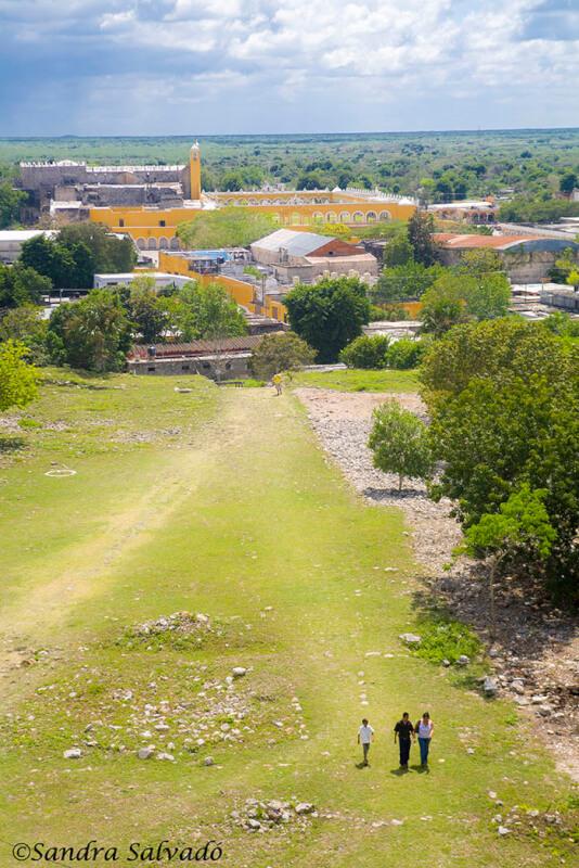 Zona arqueologica Kinich Kak Moo, Izamal, Yucatán