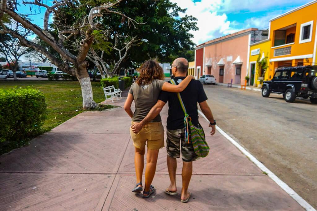 El camino mas corto al mundo maya