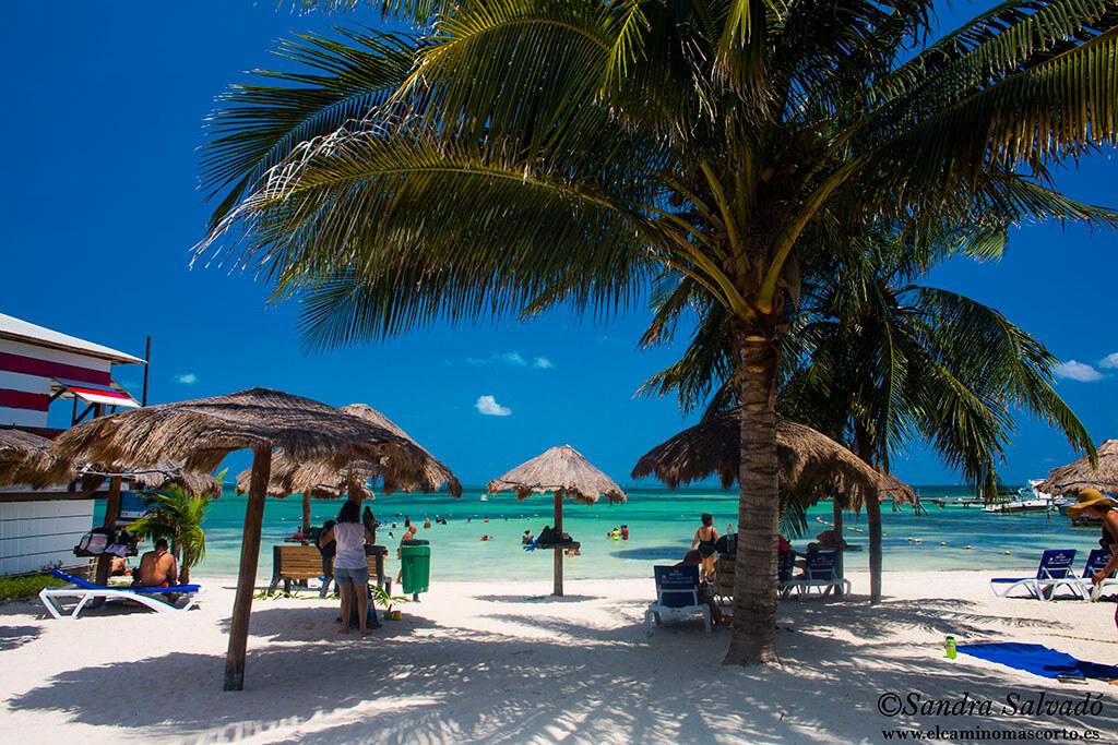 Playa Las Perlas, Cancun. Zona Hotelera.