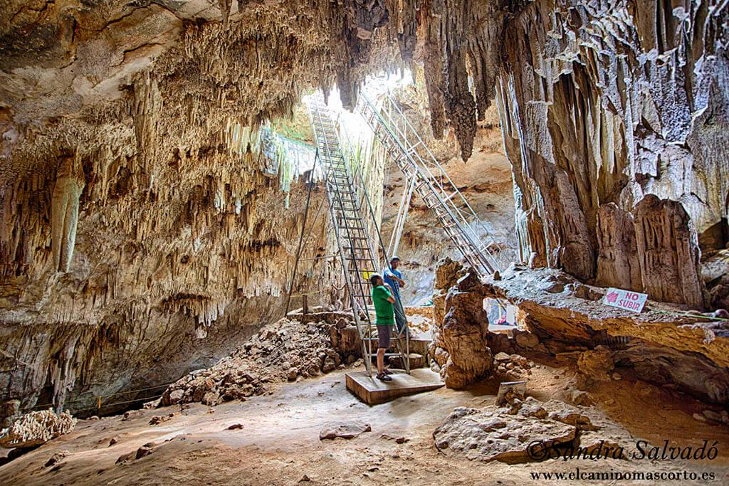 Cenote Bal-Mil, lugar de ritos y ofrendas.