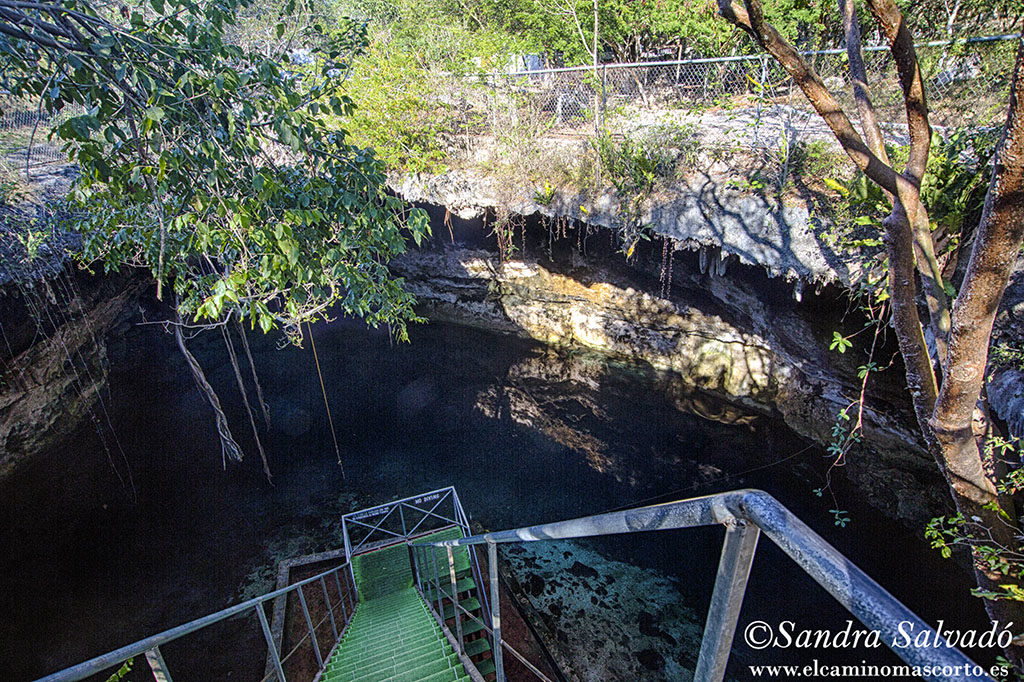 cenote_yaxbacaltun