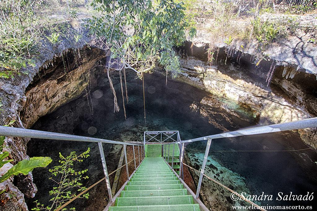 cenote Yaxbacaltun Homun