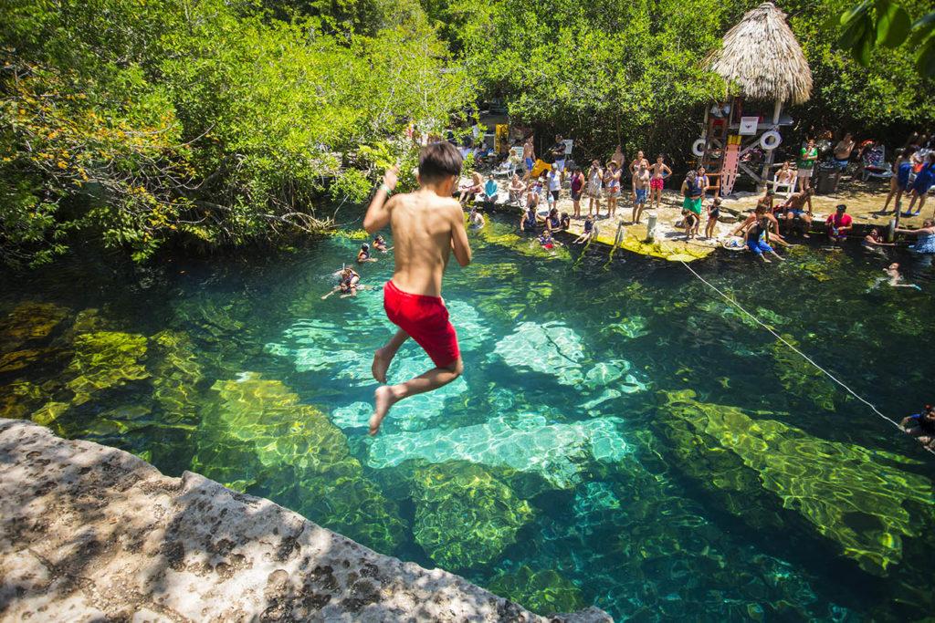 cenotes_mexico