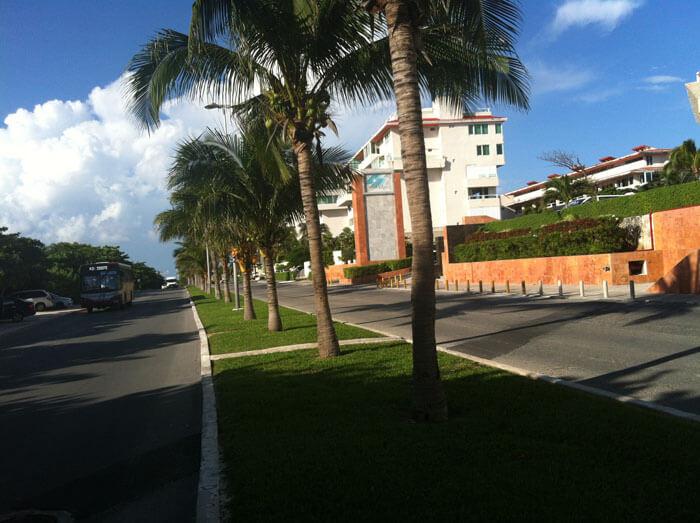 boulevard zona hotelera de Cancún, México