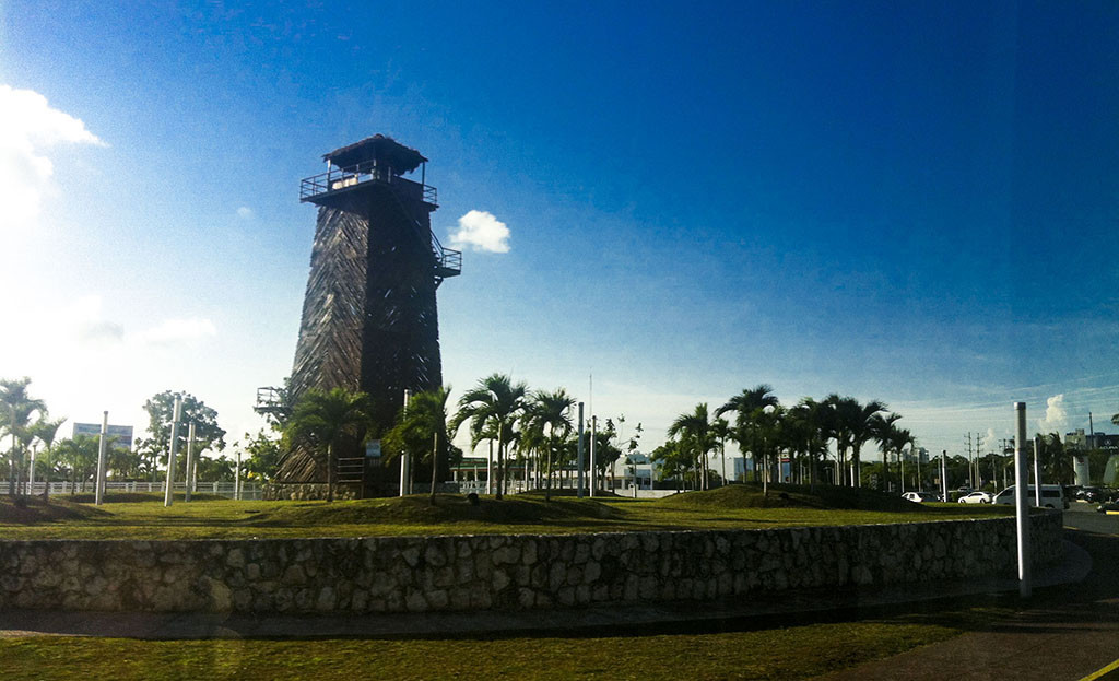 Antigua torre de control del aeropuerto de cancún