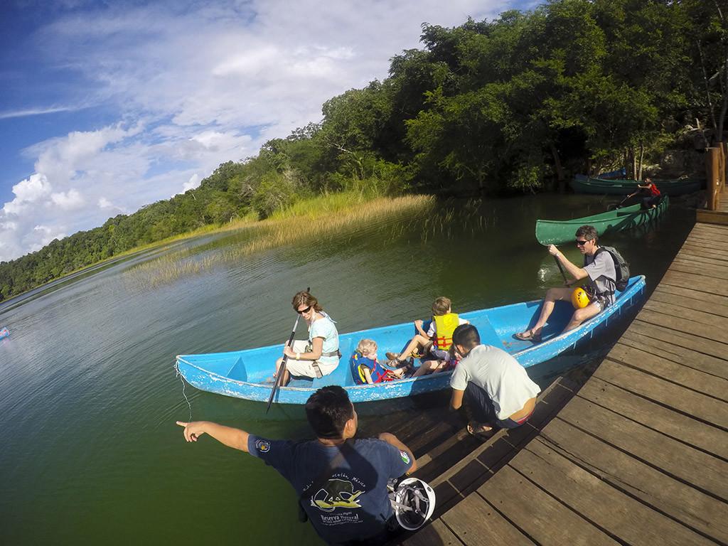 Canoa en Punta Laguna