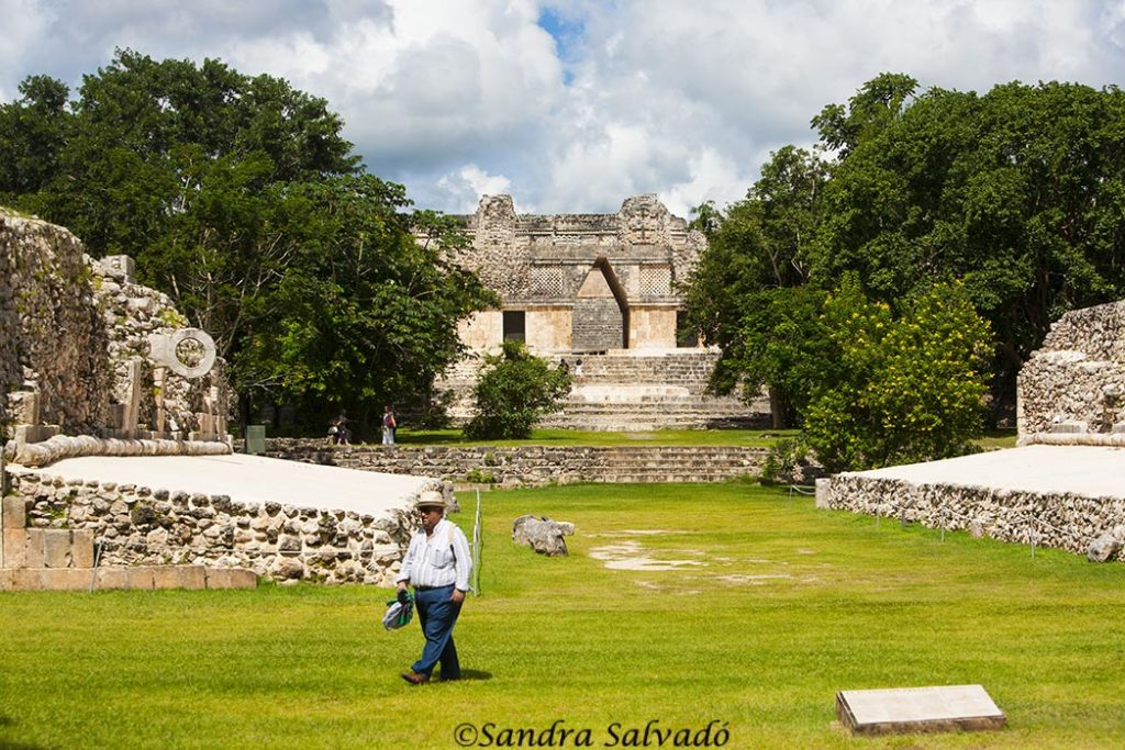 game-ball-uxmal