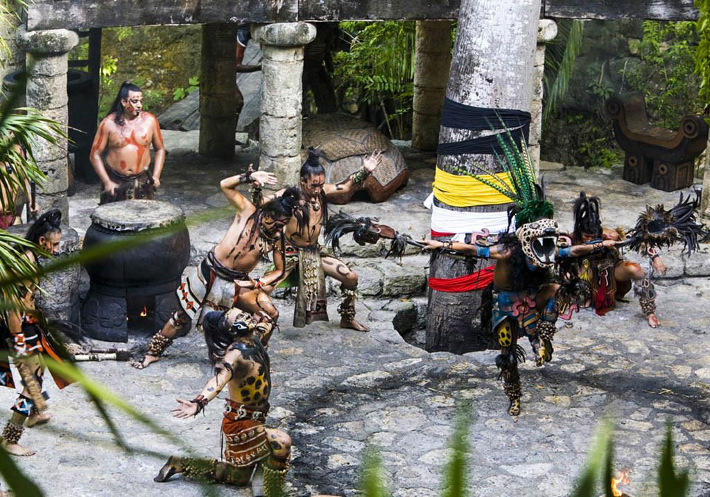 Escenificación maya xcaret