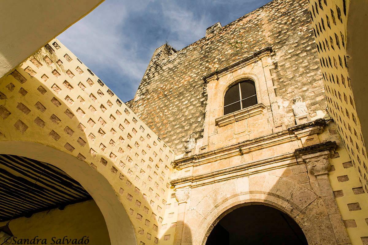 Detalles arcos, Convento de San Bernardino de Siena, Valladolid, Yucatán, México.