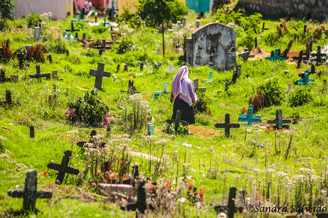 Cementerio maya San Juan Chamula, Chiapas, México