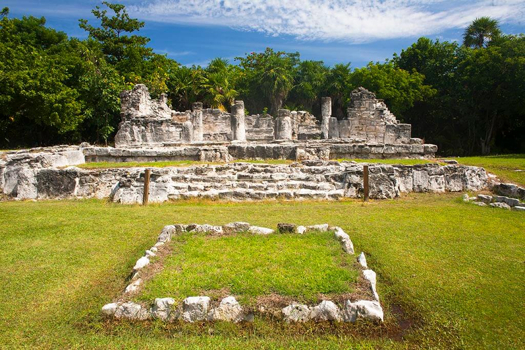 Mayan archaeological zone El Rey, Cancun, Quintana Roo, Mexico.