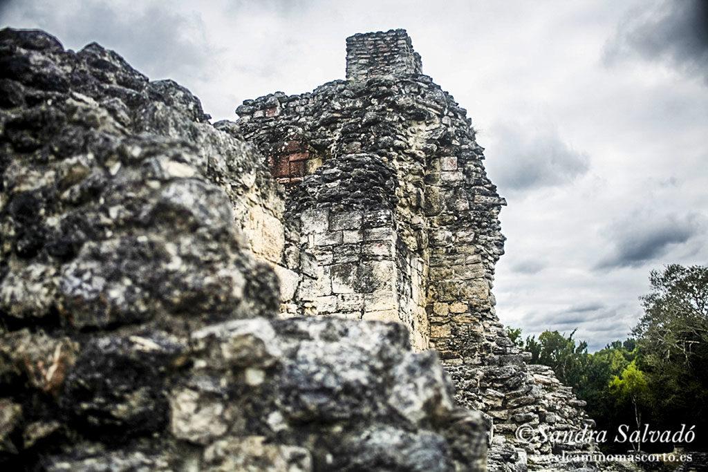 zona arqueologica becan campeche