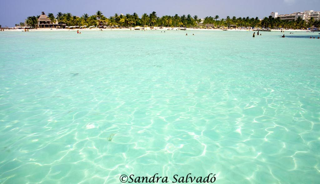 Mar Caribe Isla Mujeres, Quintana Roo, México.