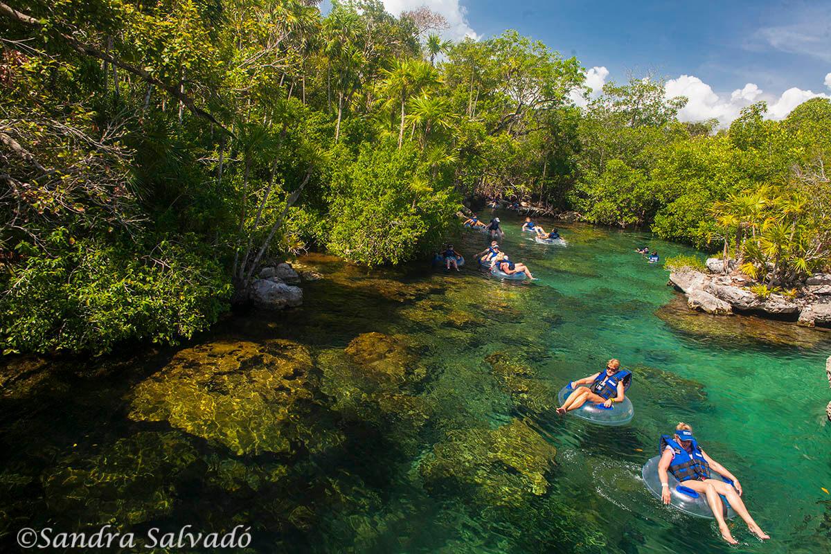 Tubing. Parque Xel-há, Riviera Maya, México.