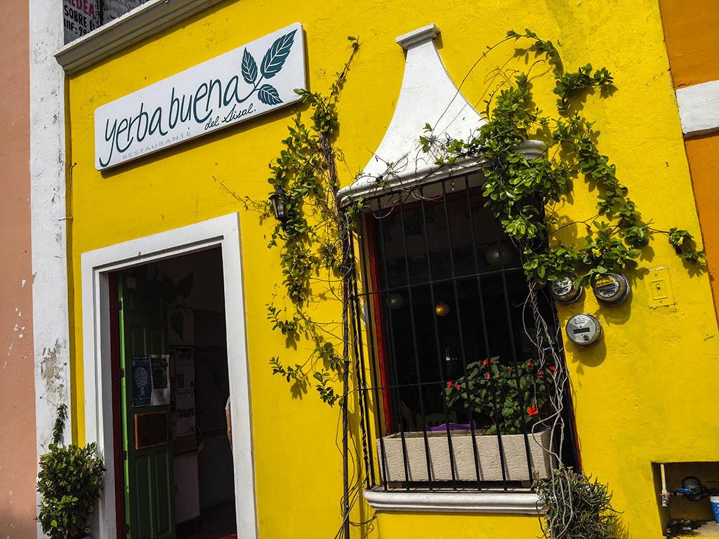 Restaurante Yerbabuena del Sisal, Valladolid, Yucatán, México.