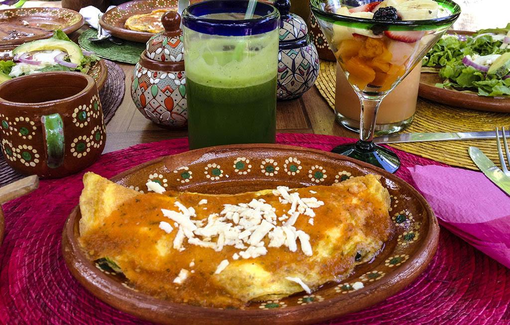 Platillos del restaurante Yerbabuena del Sisal, Valladolid, Yucatán, México.