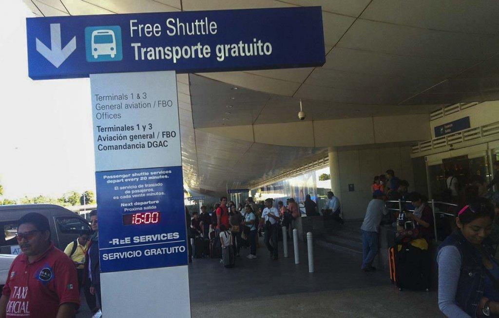 Información de transporte desde el aeropuerto de Cancún. Precios y horarios de bus, taxi y transfers a los destinos de Riviera Maya. 1