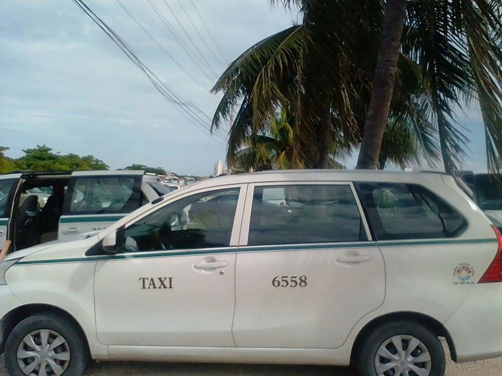 taxi cancun a playa del carmen