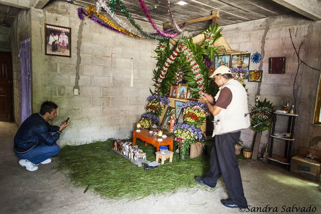 Zinacantan, place of weavers. Handicrafts of Chiapas. 1