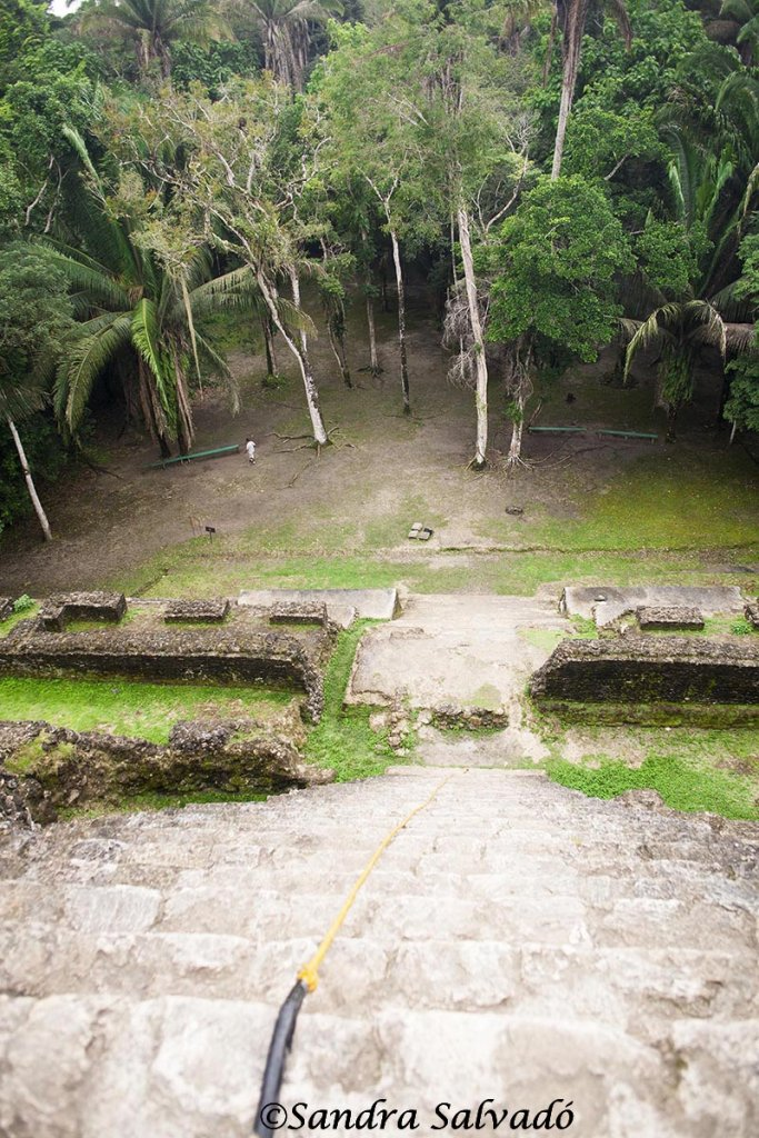 How to get to the archaeological zone of Lamanai 1