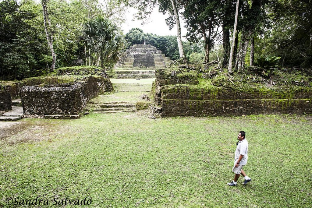 How to get to the archaeological zone of Lamanai 3